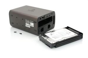 ix2-200 iOmega Storcenter - Extracción de discos